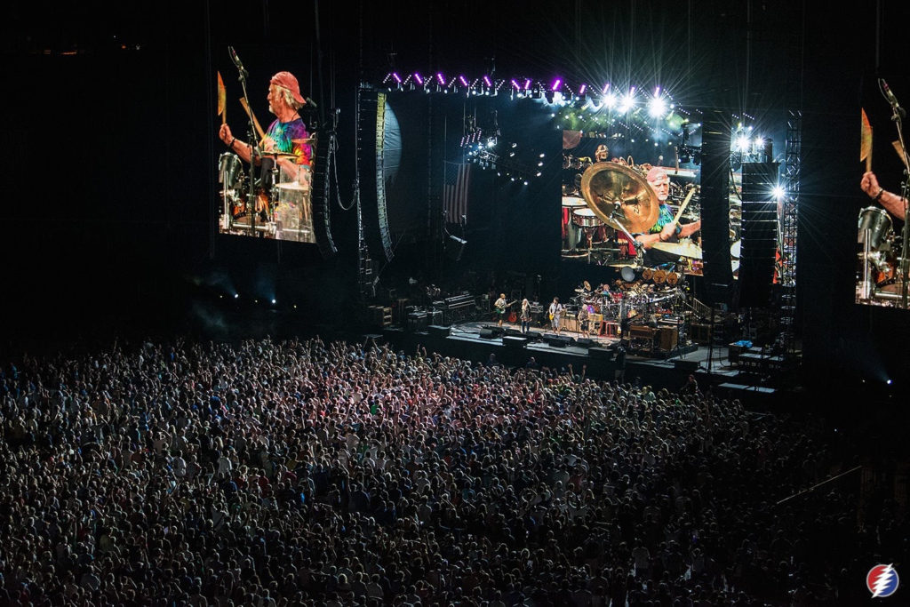 Dead & Co. live on the big stage!